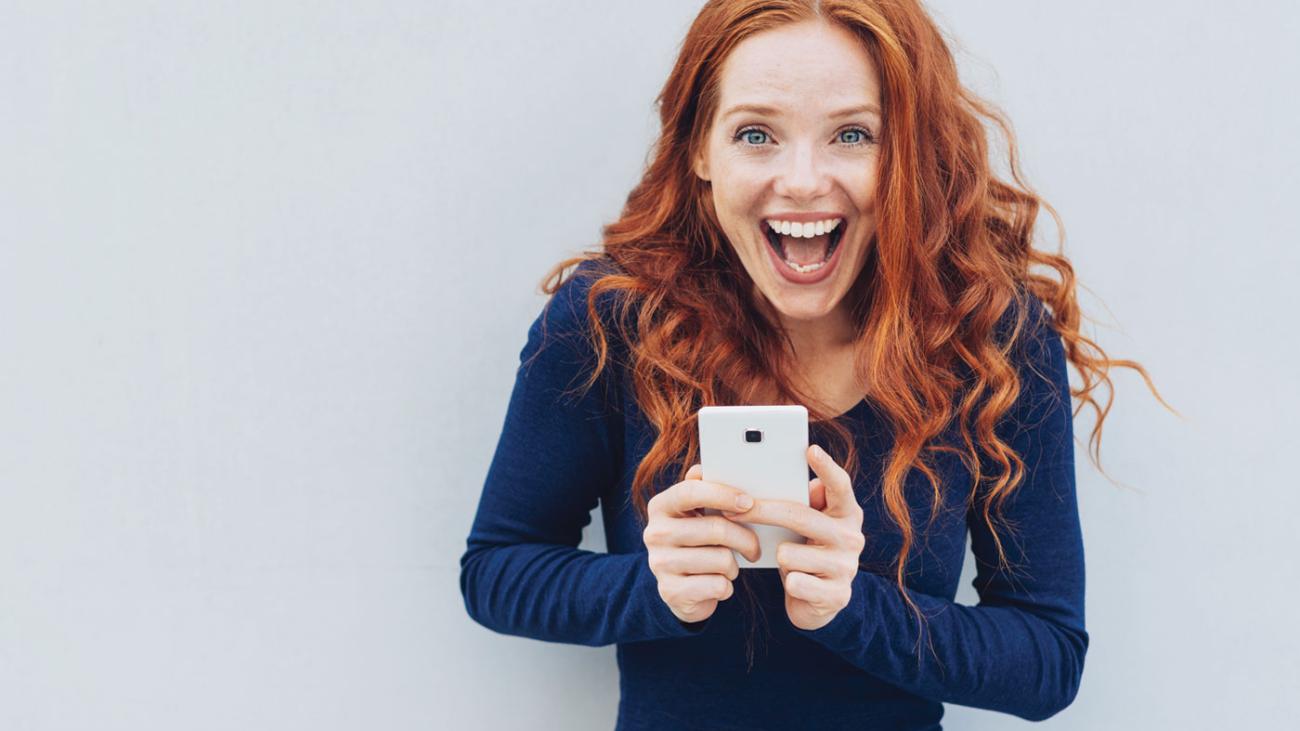 Alfa eCare rödhårig kvinna woman red hair